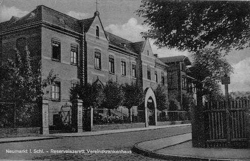 http://www.lexikon-der-wehrmacht.de/Gliederungen/Lazarette/Bilder/Neumarkt_i_Schlesien_Reservelazarett_Vereinskrankenhaus_1940.jpg