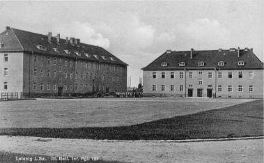 http://www.lexikon-der-wehrmacht.de/Kasernen/Wehrkreis04/Bilder/Leisnig_III_Bat_Inf_Regt_101_2_Bloecke.JPG