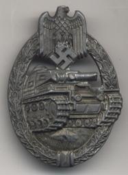 Panzerkampfabzeichen.jpg (8618 Byte)